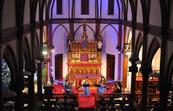 イルミネーション輝く祈りの島 上五島と長崎 チャーチウィークin上五島教会コンサート 3日間