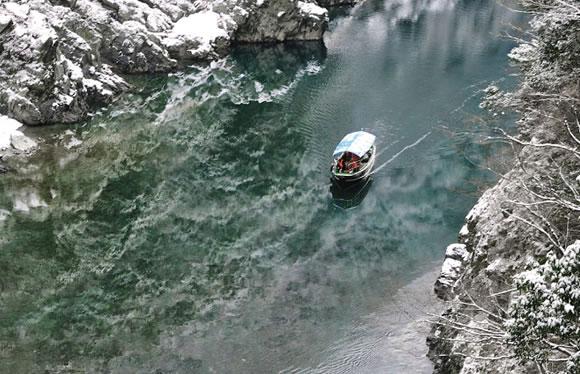 日本最古といわれる道後温泉と琴平・桂浜・大歩危峡 四国の名所ぐるり旅 3日間