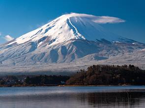 一番美しくみられる時期に訪れる 世界文化遺産「富士山」絶景めぐり 2日間