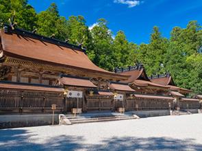 =語り部と歩く= 中辺路のクライマックス「発心門王子」から熊野三山をめぐる 2日間