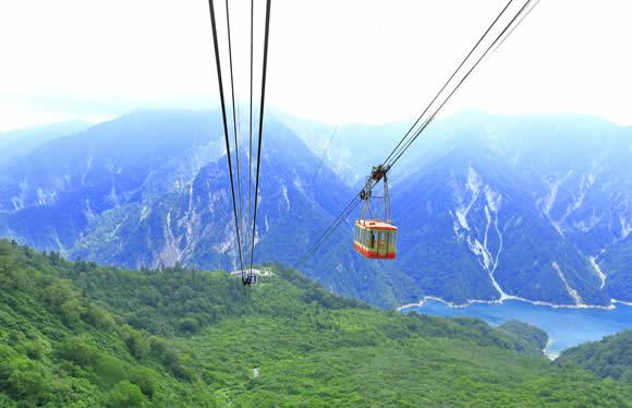 立山黒部アルペンルートと深緑の安曇野・上高地 2日間