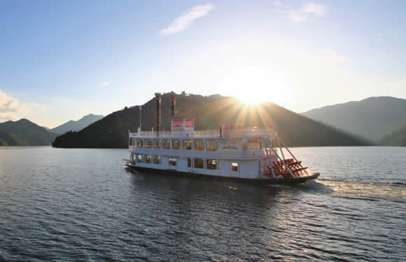 旬緑!奥只見湖遊覧船、八海山ロープ-ウェイと清津峡 8つの奥越後絶景旅 3日間