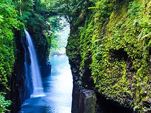 九州憧れの名湯・黒川温泉と絶景の阿蘇・高千穂 3日間
