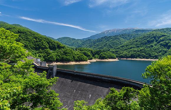 富山最後の秘境有峰ダムと落差日本最大級の称名滝探勝 2日間