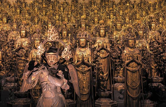 1,001躯の国宝が光り輝く「三十三間堂」夜間貸切拝観 2日間