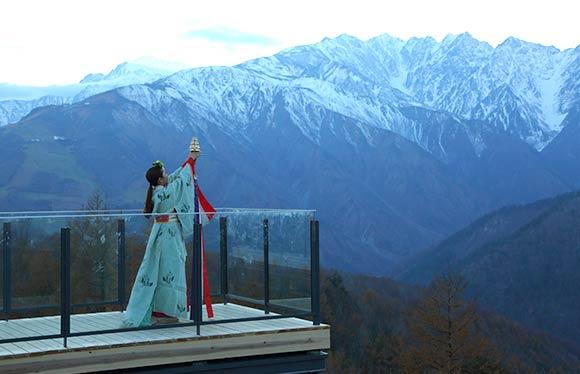 大人気の山岳リゾート 白馬・上高地2日間~白馬天空音楽 貸切雅楽の調べ~