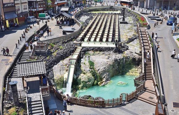 天下の名泉草津温泉と越後の秘湯松之山温泉 ゆったり18時間滞在 3日間