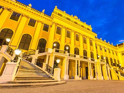 シェーンブルン宮殿コンサートを楽しむ ウィーン